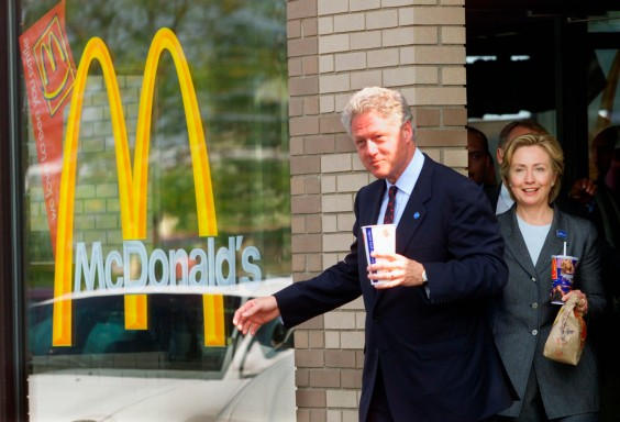 CLINTON LEAVES A MCDONALD'S RESTAURANT AFTER PASSING THE TORCH TO GORE